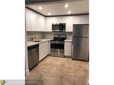 Delray Beach Condo/Townhouse For Sale: 736 Normandy P #736