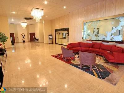 Broward County Condo/Townhouse For Sale: 500 Three Islands Blvd #125