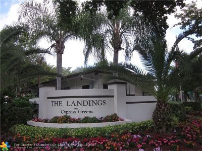Tamarac Condo/Townhouse For Sale: 9259 NW 61st St #15-1