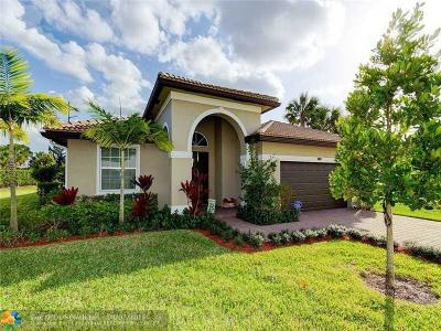 Lake Worth Single Family Home For Sale: 7218 Prudencia Dr