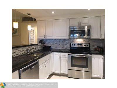Fort Lauderdale Condo/Townhouse For Sale: 2455 NE 51st St #E108