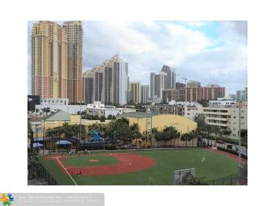 Sunny Isles Beach Condo/Townhouse For Sale: 18260 N Bay Rd #316