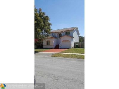 Pembroke Pines Single Family Home For Sale: 8810 SW 13 St