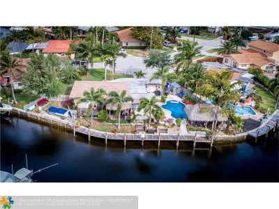 Pompano Beach Single Family Home For Sale: 1231 SE 3rd Ave