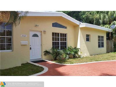 Miami Single Family Home For Sale: 2565 NE 201st St