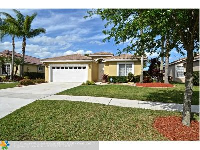 Pembroke Pines Single Family Home For Sale: 17631 SW 8th Ct