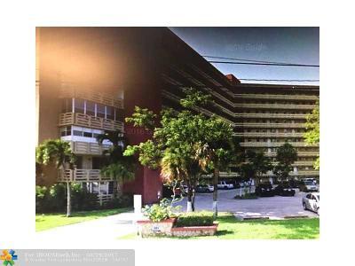 Miami Condo/Townhouse For Sale: 1401 NE Miami Gardens Dr #490