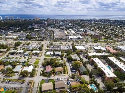 Deerfield Beach Multi Family Home For Sale: 275 SE 8th Ter