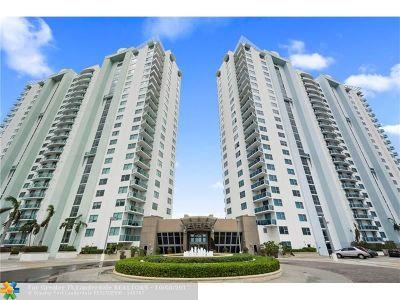Broward County , Palm Beach County Condo/Townhouse For Sale: 2681 N Flamingo Rd #1107