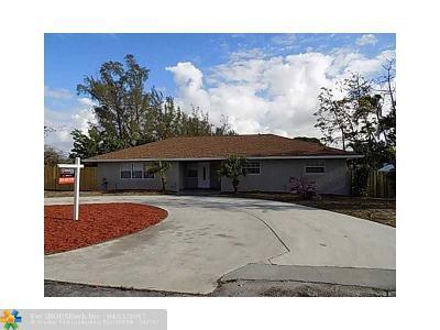 Lake Worth Single Family Home For Sale: 2551 Sundown Ln