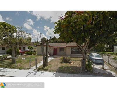 Fort Lauderdale Single Family Home For Sale: 1121 NW 23rd Ter