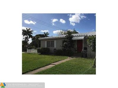 Broward County Single Family Home For Sale: 1504 Plunkett St