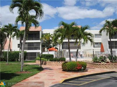 Weston Condo/Townhouse For Sale: 301 Racquet Club Rd #202