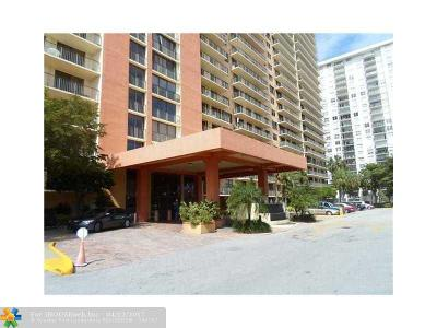 Sunny Isles Beach Condo/Townhouse For Sale: 290 174th St #910
