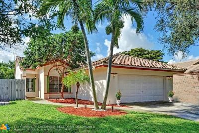 Delray Beach Single Family Home For Sale: 4142 NW 2nd St