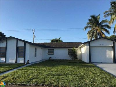 Lauderhill Single Family Home For Sale: 8340 NW 45th St