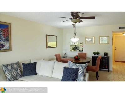 Broward County , Palm Beach County Condo/Townhouse For Sale: 3170 Holiday Springs Blvd #301