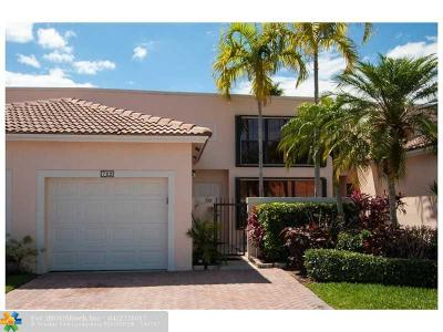 Pembroke Pines Condo/Townhouse For Sale: 722 SW 158th Ter #722