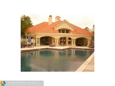 Boynton Beach Condo/Townhouse For Sale: 815 W Boynton Beach Blvd #8-101