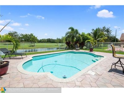 Coconut Creek Single Family Home For Sale: 4025 Banyan Trails Dr
