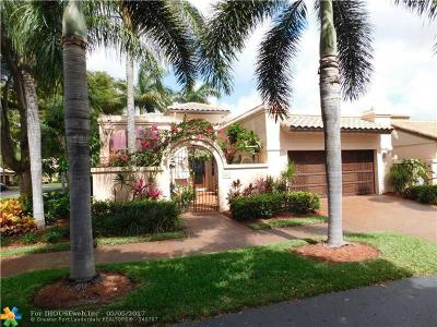 Deerfield Beach Single Family Home For Sale: 561 Via Verona