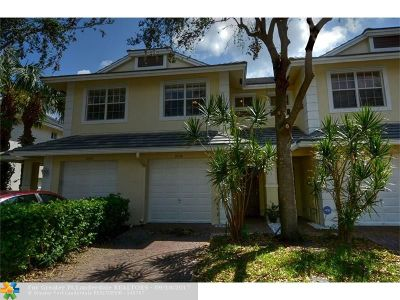 Oakland Park Condo/Townhouse For Sale: 3038 NW 30th Ter #3038