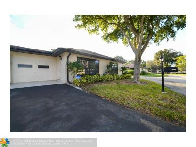 Boynton Beach Condo/Townhouse For Sale: 4843 Greentree Lane #A