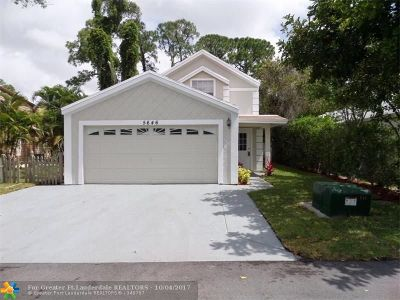 West Palm Beach Single Family Home For Sale: 5646 Dewberry Way