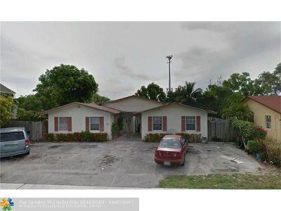 Boynton Beach Condo/Townhouse For Sale: 222 SW 6th St #2