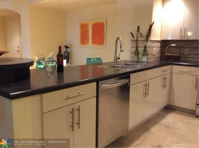 Fort Lauderdale Condo/Townhouse For Sale: 100 N Federal Hwy #834