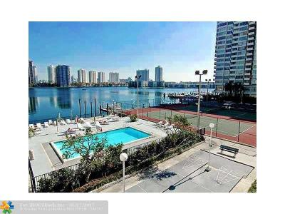 Aventura Condo/Townhouse For Sale: 2750 NE 183rd St #708