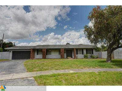 Plantation Single Family Home For Sale: 7081 NW 8th Ct