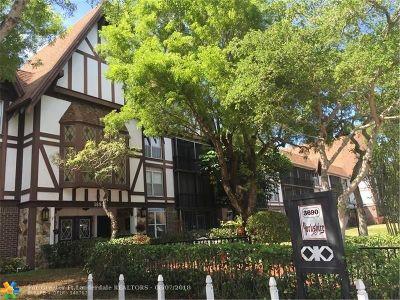 Lauderhill Condo/Townhouse For Sale: 3690 Inverrary Dr #3M