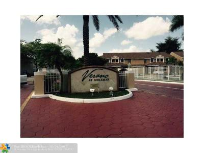 Miramar Condo/Townhouse For Sale: 8024 SW 21st Ct #8024