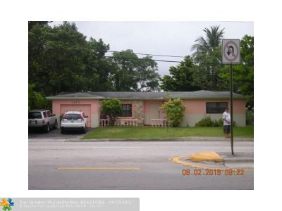 Lauderhill Single Family Home For Sale: 1430 NW 56th Ave