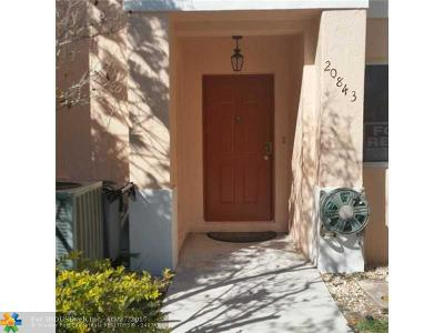 Pembroke Pines Condo/Townhouse For Sale: 20843 NW 4th St #.
