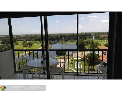 Broward County , Palm Beach County Condo/Townhouse For Sale: 4164 Inverrary Dr #1004