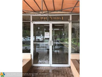 Sunrise Condo/Townhouse For Sale: 3905 N Nob Hill Rd #209