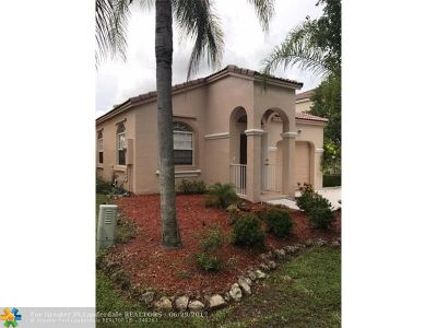 Pembroke Pines Single Family Home For Sale: 15219 NW 7th St