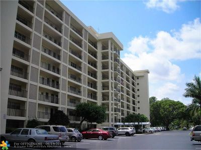 Condo/Townhouse For Sale: 3300 N Palm Aire Dr #703