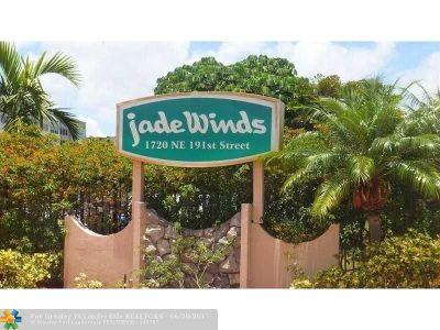 Miami Condo/Townhouse For Sale: 1750 NE 191st St #611