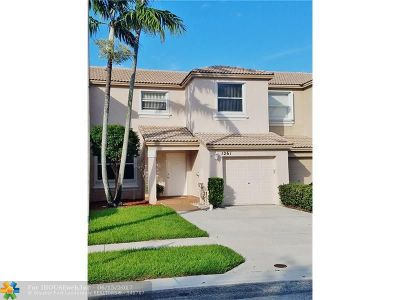 Pembroke Pines Condo/Townhouse Backup Contract-Call LA: 1261 NW 154th Ave #1261