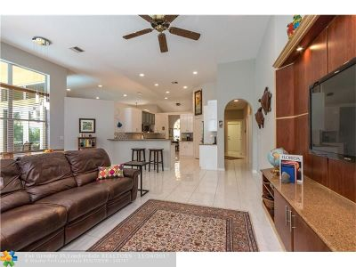 Delray Beach Single Family Home For Sale: 2766 Hampton Circle North