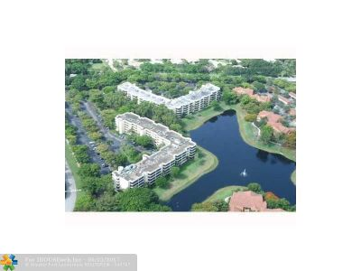 Delray Beach Condo/Townhouse For Sale: 1850 Homewood Blvd #114