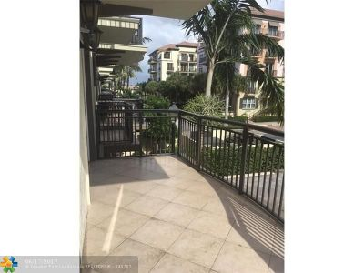 Wilton Manors Condo/Townhouse For Sale: 2631 NE 14th Ave #219