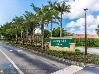Weston Condo/Townhouse For Sale: 16500 Golf Club Rd #313