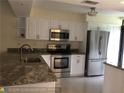 Lauderdale Lakes Condo/Townhouse For Sale: 3091 NW 46th Ave #101A