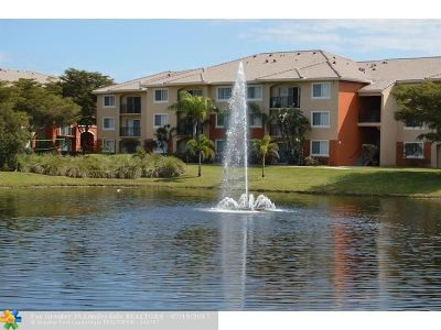 West Palm Beach Condo/Townhouse For Sale: 4175 N Haverhill Rd #918
