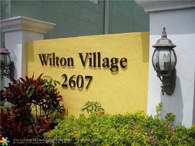 Wilton Manors Condo/Townhouse For Sale: 2607 NE 8th Ave #27