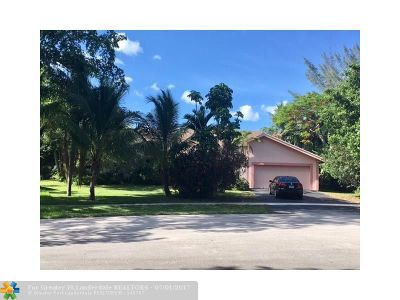 Plantation Single Family Home For Sale: 2051 SW 52nd Way